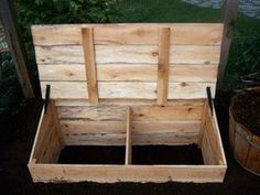 Worm composting box