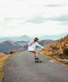skateboard longboard girl You are in the right place about Skateboarding vans Look Skater, Skater Guys, Skater Girl Style, Skater Girl Outfits, Girls Skate, Skateboard Girl, Skateboard Clothing, Skateboard Parts, Skateboard Pictures