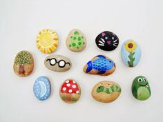 The Speckled Dog: Story Stones Pebble Painting, Pebble Art, Stone Painting, Rock Painting, Stone Crafts, Rock Crafts, Arts And Crafts, Projects For Kids, Diy For Kids