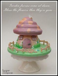 At the bottom of the garden ... - Cake by Sugargourmande Lou
