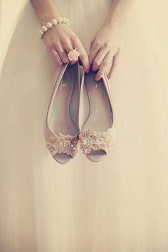 Llamativos zapatos de novia para ceremonias | Moda y Tendencias