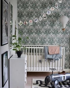 Kid room with our Thistle wallpaper in soft khaki. Beautiful picture from Thistle Wallpaper, Most Beautiful Wallpaper, Clawfoot Bathtub, New Room, Cribs, Kids Room, Beautiful Pictures, Furniture, Design