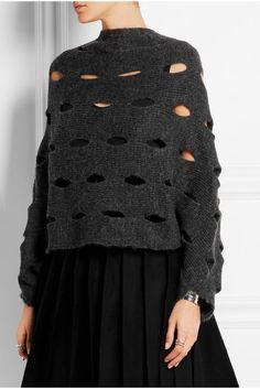 Knitwear design by Olga Buraya-Kefelian. Knitwear Fashion, Knit Fashion, Big Knits, How To Purl Knit, Knitted Gloves, Knitting Designs, Knit Patterns, Pulls, Hand Knitting