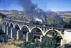 Fabulous postcards of Steam Trains and Modern Traction from Southern Africa brought to you by Vidrail. South African Railways, Blue Train, Steam Railway, Railway Museum, Victoria Falls, African Countries, Steam Locomotive, Bridges, Postcards