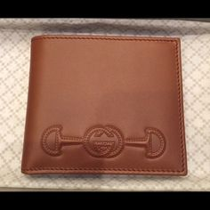 Brand new Gucci wallet. Bought it as a gift, but ended up not gifting. Great Teacher Gifts, Great Gifts For Mom, Gifts For Her, Gucci Wallet, Purse Wallet, Vintage Cigarette Case, Anniversary Gifts For Couples, Gucci Bags, Couple Gifts