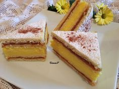 Prajitura cu mere si crema de vanilie Romanian Food, Romanian Recipes, Pretty Cakes, Cornbread, Vanilla Cake, Cake Recipes, Bakery, Cheesecake, Food And Drink