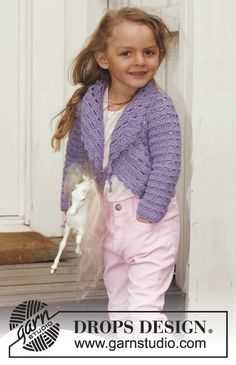 Lovely Lily - Crochet circle jacket with lace pattern and long sleeves in DROPS Paris. - Free pattern by DROPS Design Crochet Bolero, Pull Crochet, Crochet Vest Pattern, Crochet Jacket, Free Pattern, Knit Crochet, Crochet Patterns, Crochet Gratis, All Free Crochet
