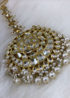 Maang Tikka Design, Tikka Designs, Head Jewelry, Bridal Jewelry, Mang Tikka, Bracelet Designs, Indian Jewelry, Diamond Jewelry, Jewelery