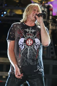 Def Leppard - Joe Elliott. These guys put on a great show!