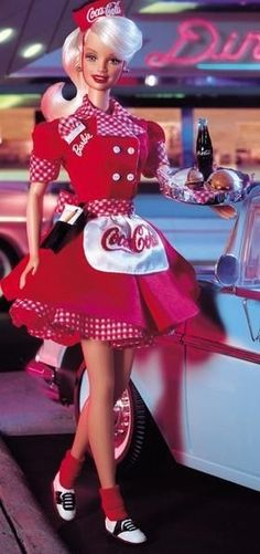 Looking for the Coca-Cola Barbie Doll - Waitress? Immerse yourself in Barbie history by visiting the official Barbie Signature Gallery today! Barbie 1990, Vintage Barbie Dolls, Coca Cola Decor, Always Coca Cola, Barbie Collector, Barbie World, Barbie Friends, Barbie Dress, Toddler Girls