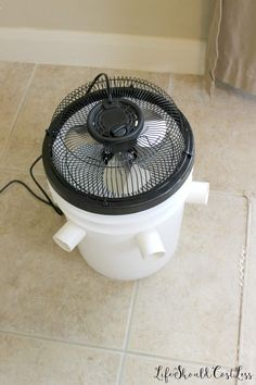 How To Make A Five Gallon Bucket A/C Unit {with option to make a cute one too}. - Life Should Cost Less Bucket Air Conditioner, Homemade Air Conditioner, Homemade Shampoo, Homemade Products, Hair Conditioner, Emergency Preparation, Survival Prepping, Emergency Preparedness, Survival Skills