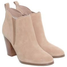 Pre-owned Ankle boots suede (205 CAD) ❤ liked on Polyvore featuring shoes, boots, ankle booties, sapatos, beige, michael kors booties, chunky heel booties, suede booties, thick heel booties and chunky heel boots