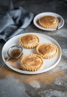A classic South African unbaked milk tart - tterreble - African Food Tart Recipes, Baking Recipes, Sweet Recipes, Dessert Recipes, Oven Recipes, Custard Recipes, Curry Recipes, Delicious Recipes, Recipies