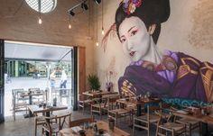 Takumi Sevilla, nuevo proyecto de interiorismo de Decoracion Vintage - Decoración vintage - Mobiliario hostelería - Muebles vintage - Sillas de madera