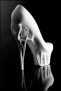 Fashion Designer � Biomimicry Shoe by Marieka Ratsma and Kostika Spaho