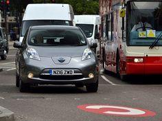 O Uber colocará 50 carros elétricos no serviço de transporte a passageiros em…