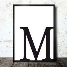 Letter M poster printable in A4 size. M initial print por decopared