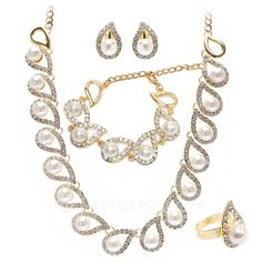 Fashion Alloy With Rhinestone Ladies' Jewelry Sets (011027654)