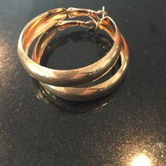 Shop Women's size One Size Earrings at a discounted price at Poshmark. Statement Jewelry, Gold Jewelry, Rings For Men, Hoop Earrings, Metal, Accessories, Color, Things To Sell, Men Rings