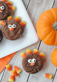 Turkey Whoopie Pies for Thanksgiving-Fun for the Kids!