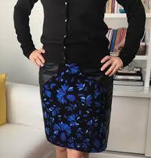 pazen yelek dikimi ile ilgili görsel sonucu Ideias Fashion, My Style, Floral, Skirts, Beautiful, Flannel Dress, Vestidos, Profile, Baby Bottle