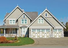 Wayne Dalton | Garage Door with Carriage House style and design.