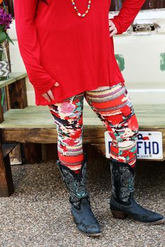"""Spring Splash Leggings-Wear Us Out Boutique Conroe/Montgomery, Texas It's like having artwork of """"Floral Fusion"""" painted on your legs."""