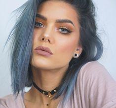 coole frisuren, blaue augen, graue haare, nasenring, make up