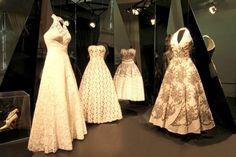 £: Abiti storici - Alcuni abiti bianchi e storici realizzati dalle Sorelle Fontana