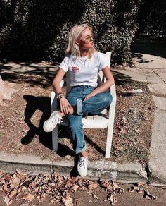 Claartje Rose, Dutch blogger, white shirt, jeans, denim