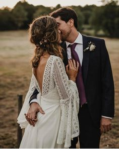 hippie wedding 565905509431093872 - Tempting Bohemian Wedding Dresses You Can't Say No to Source by Bohemian Gown, Boho Dress, Bohemian Hair, Bohemian Bride, Hippie Hair, Country Wedding Dresses, Bohemian Wedding Dresses, Bohemian Weddings, Hippie Dresses