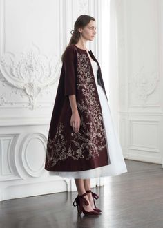 PSAW1905 Wool cashmere trapeze coat with metallic thread-work embroidery