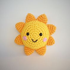 Sol Amigurumi - free crochet pattern in English and Portuguese by Vanessa Doncatto - Yarn Handmade.