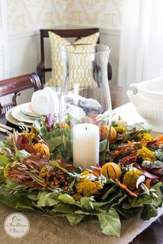 Thanksgiving Fall Tablescape Ideas | Features a Cinnamon & Berries Wreath centerpiece, burlap runner and no sew linen napkins.