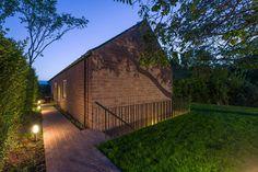 Long Brick House by Foldes Architects