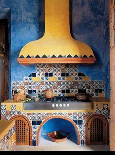 Kuchnia z kolorowymi płytkami