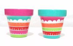 Macetas Pintadas A Mano - $ 75,00 Decorated Flower Pots, Painted Flower Pots, Painted Vases, Pots D'argile, Clay Pots, Flower Pot Crafts, Clay Pot Crafts, Pottery Painting Designs, Flower Pot Design
