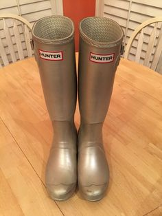 Metallic Gold Hunter Rain Boots 6M/7F 6M 7F #Hunter #Rainboots