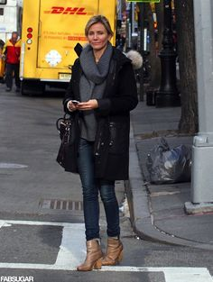 42 Ways to Give Your Winter Wardrobe an A-List Upgrade: Cameron Diaz's gray ribbed cowl-neck sweater kept her warm and cool. She completed her NYC outfit with a black leather-accented coat, skinny jeans, and beige Rag & Bone booties. Winter Fashion Outfits, Autumn Winter Fashion, Casual Outfits, 50 Fashion, Fall Outfits, Fashion Ideas, Cameron Diaz Style, Military Style Coats, Winter Looks