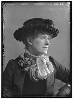 Dame (Alice) Ellen Terry