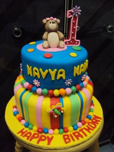 2 tier Bear Fondant Cake - by lmis @ CakesDecor.com - cake decorating website