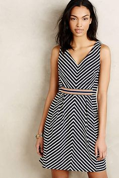 Onyx Borders Kleid - anthropologie.eu