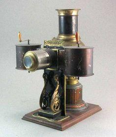 Lanterna Magica Collection de Pre-cinema de Francois Binetruy, Versailles: PLANCK A ROULEAU HORIZONTAL