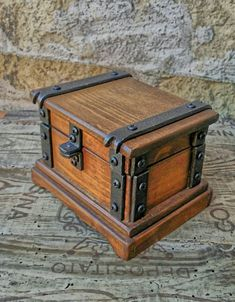 Wood jewelry box , wood box for watch , reclaimed wood keepsake box. Italian handicraft creation exclusive design DOREALI STUDIO ROMA. 100% handmade In Italy made of old Italian wood and iron of first quality. Suitable as precious jewelry box , beautiful box for watch or memory box