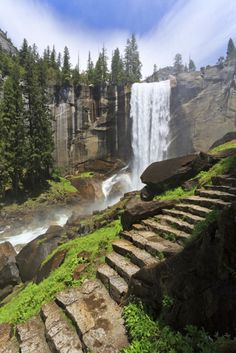 Amazing Hiking Trails Around the World: Waterfall- Mist Trail Yosemite National Park