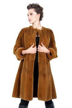 Abrigo de Visón Rasado Camel. Camel Mink Coat. #fur #coat #auroramaroto #abrigo #piel #reversible #mink #peleteria #boutique #winteriscoming