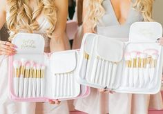 Add some GLAM to your beauty routine! The Pink Glam Brush Book is the perfect way to keep your glam beauty brushes clean, organized and easy to access! Glam Makeup, Makeup Cosmetics, Beauty Makeup, Beauty Brushes, Unique Makeup, Brush Kit, Makeup Brush Set, Makeup Kit, Beauty Essentials