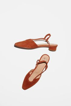 No.6 Esme Horeshoe Flat in Turmeric