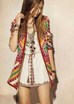 chic bohemian boho style hippy hippie chic bohème vibe gypsy fashion indie folk the . ╰☆╮╰☆╮Boho chic bohemian boho style hippy hippie chic bohème vibe gypsy fashion indie folk the . Look Hippie Chic, Gypsy Style, Hippie Style, Hippie Boho, Bohemian Style, 70s Hippie, Vintage Bohemian, Indie Fashion, Fashion Mode