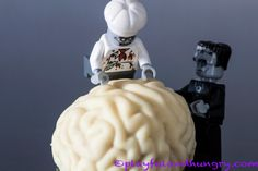 White chocolate Brains with Pumpkin Pie Filling